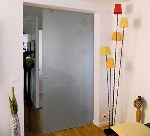 Porte coulissante en verre, miroir d'entrée, crédence ? Allez au Glass-Lab Paris !